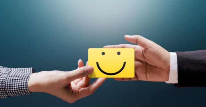 puntos-clave-ganar-fidelidad-clientes-medios-digitales